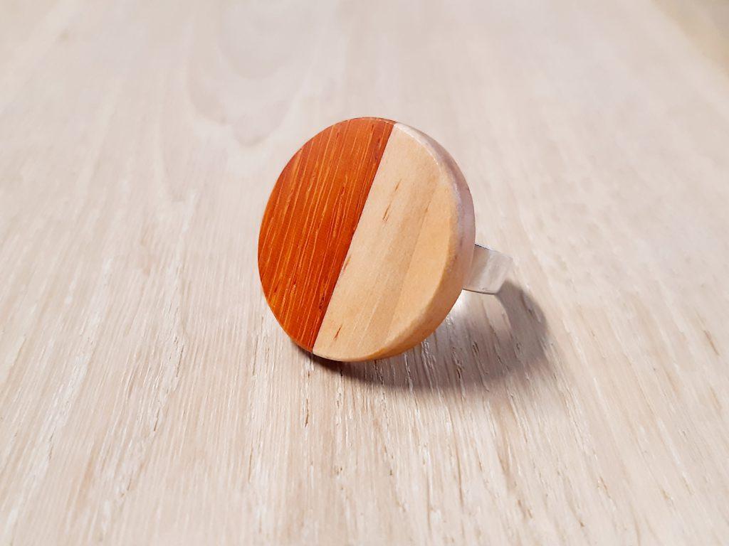 houten ring uit eigen collectie van Ontwerp Rik Verhaest